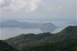 Overview about Taal Lake